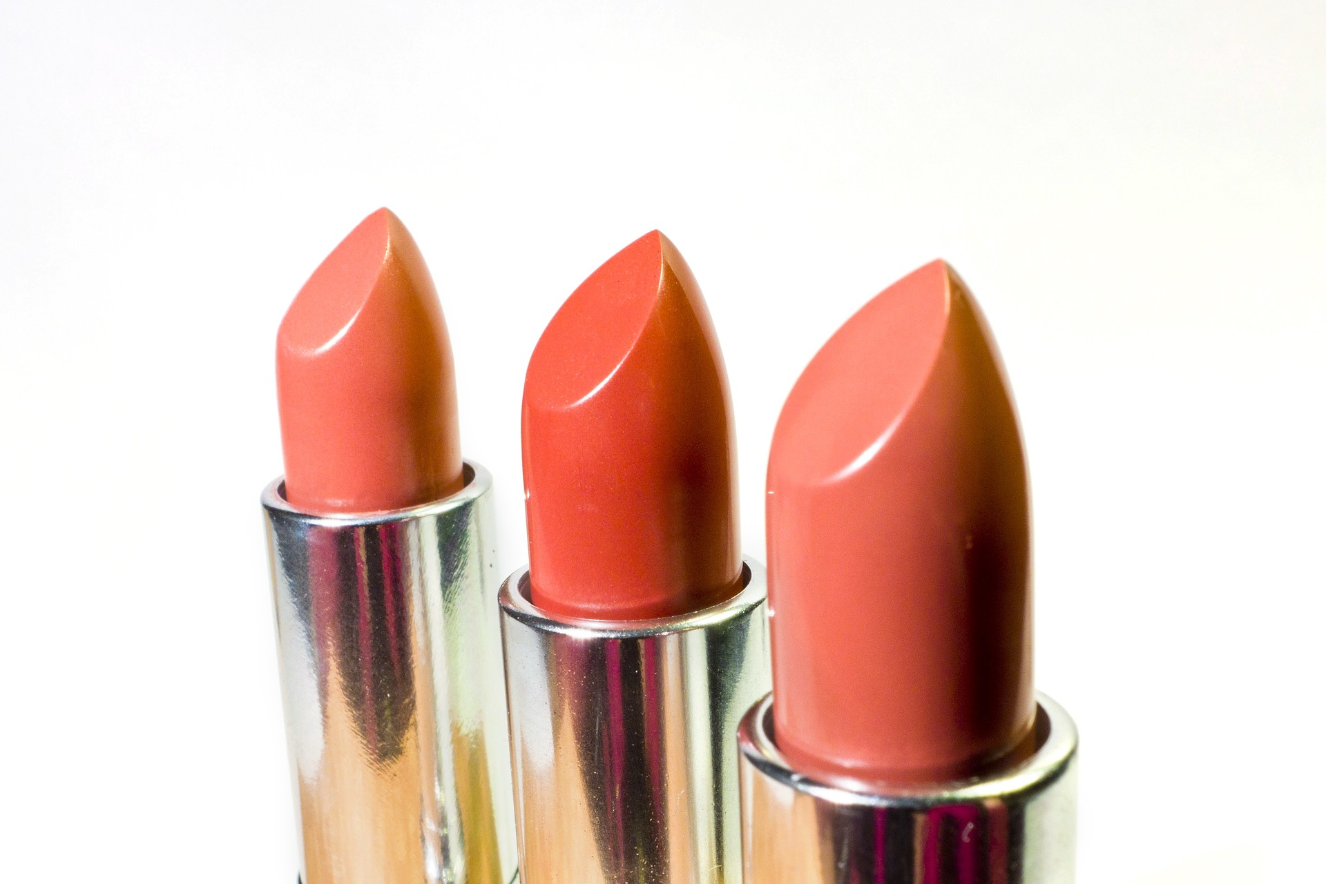 7 Types Of Lipstick & Tips On How To Apply | Join Avon